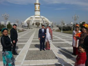 Wedding at National Monument in Ashgabat, Turkmenistan